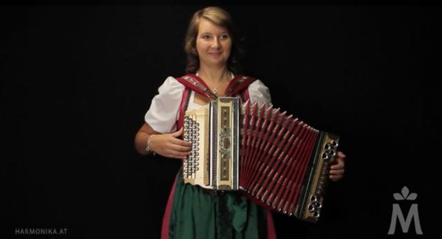 Tanja Sergienko – Bass Hansei